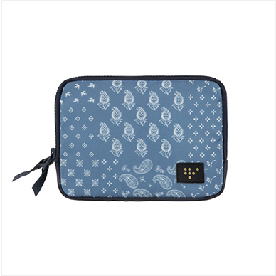 FAMILY PASSPORT POUCH_Blue paisley